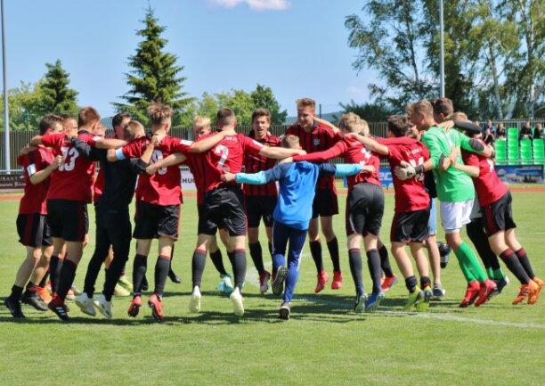 Nach dem Abpfiff konnten die CFC-Spieler über den Pokalsieg jubeln.
