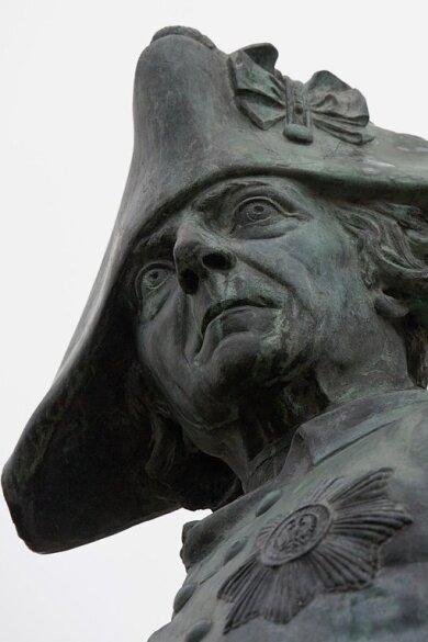 Eine Statue Friedrichs des Großen im brandenburgischen Letschin.