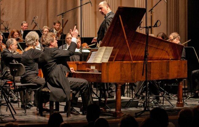 Am 26. März 2017 spielte Pianist Tobias Koch am historischen Hammerflügel das Konzert für Klavier und Orchester in c-Moll von Ludwig van Beethoven. Am heutigen Donnerstag wird es per Youtube gesendet.