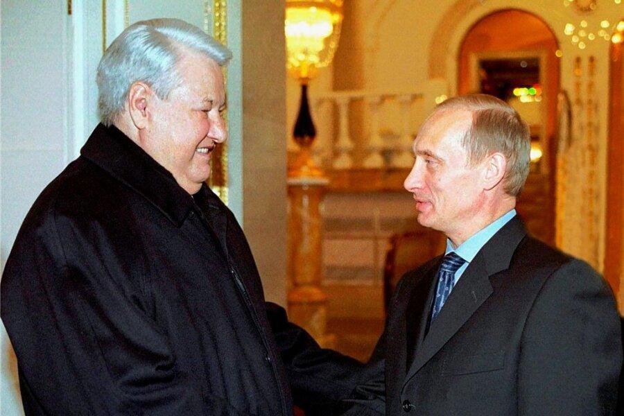 Alter und neuer Präsident: Jelzin (l.) besucht Putin am 31. Dezember 2000 im Kreml.