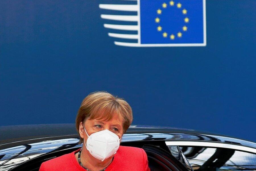 Bundeskanzlerin Angela Merkel (CDU) trifft am Montag zu den neuen Verhandlungen auf dem EU-Gipfel in Brüssel ein. Am Abend schien dann ein wichtiger Durchbruch geschafft.