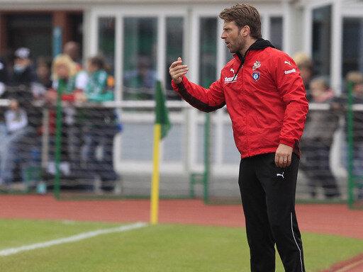 Der Kaderplanung von Aue-Trainer Rico Schmitt schreitet voran