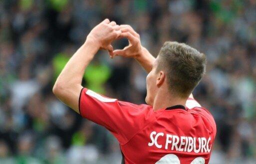 Roland Sallai nach seinem Tor gegen den VfL Wolfsburg