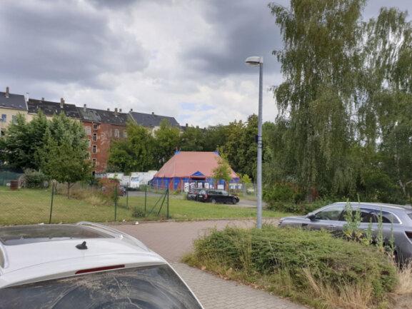 Hier fand der Angriff statt: nahe einem Spiel- bzw. Zirkuszelt in einem Innenhof zwischen Jakobstraße und Tschaikowskistraße.