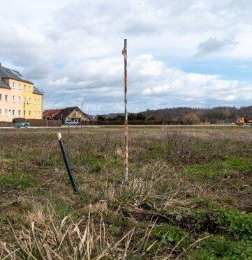 An der Peniger Jahnstraße sind die ersten vier Baugrundstücke bereits erschlossen.