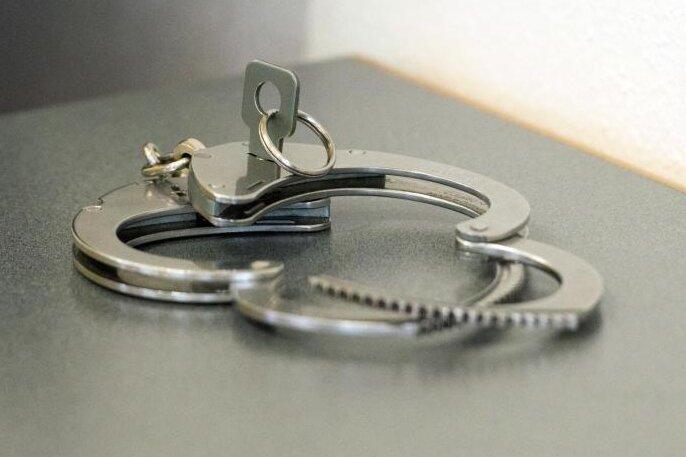Missbrauch eines Kleinkindes: Haftbefehl gegen 19-Jährigen