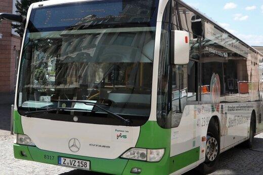 Bald geht es mit dem Stadtbus auf Gratis-Tour.