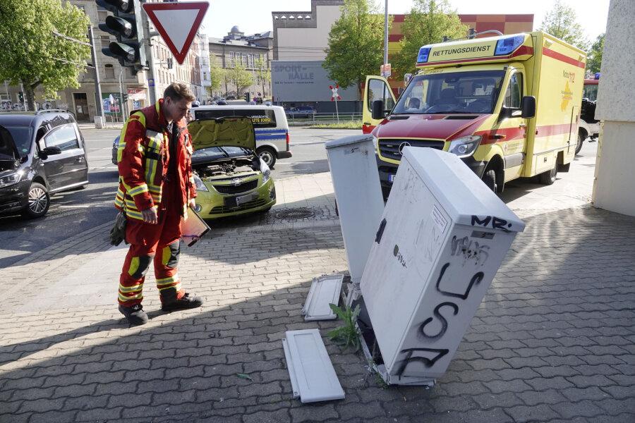 Verteilerkästen bei Unfall demoliert