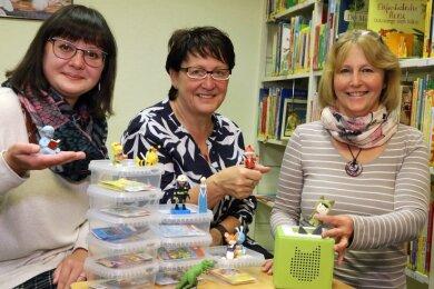 Manuela Bergner, Ingrid Honomichl und Sabine Scherm (von links) sind gespannt, wie die Hörspiel-Figuren bei Kindern ankommen.