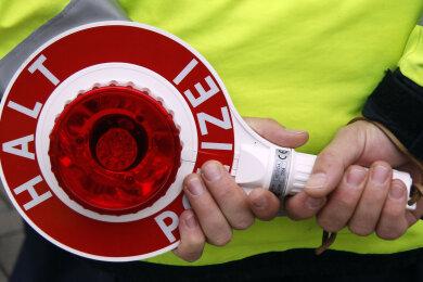Ein 20-Jähriger hat sich eine Verfolgungsjagd mit der Polizei geleistet.
