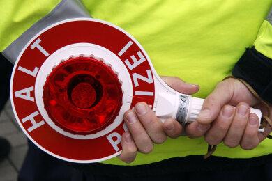 Ein 16-jähriger Simson-Fahrer hat sich am Donnerstagnachmittag mit der Polizei eine Verfolgungsjagd geleistet.