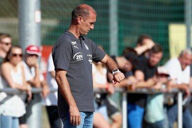 Muss in den nächsten Heimspielen gegen Lübeck und Ingolstadt punkten: Zwickaus Trainer Joe Enochs.