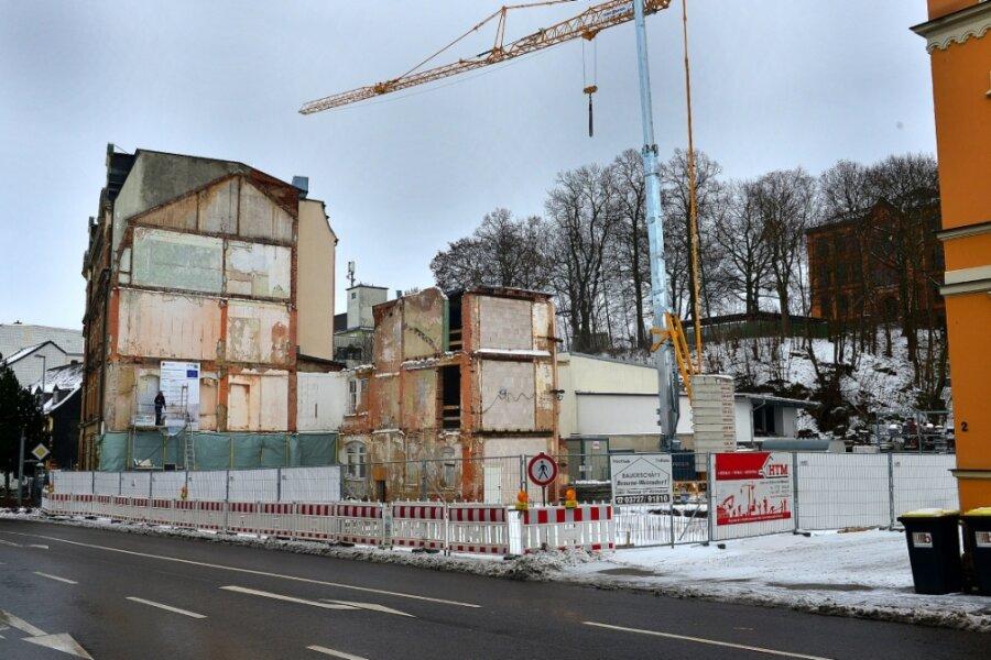 Der Rohbau der neuen Stadtbibliothek soll bis Ende Februar stehen. Der OB hofft auf ein gebührendes Richtfest.