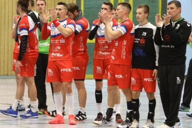 Die Mannschaft des HC Glauchau/Meerane möchte sich am Sonntag am liebsten mit einem Sieg von den Zuschauern verabschieden. Gespielt wird diesmal in der Karl-Heinz-Freiberger-Halle in Meerane.