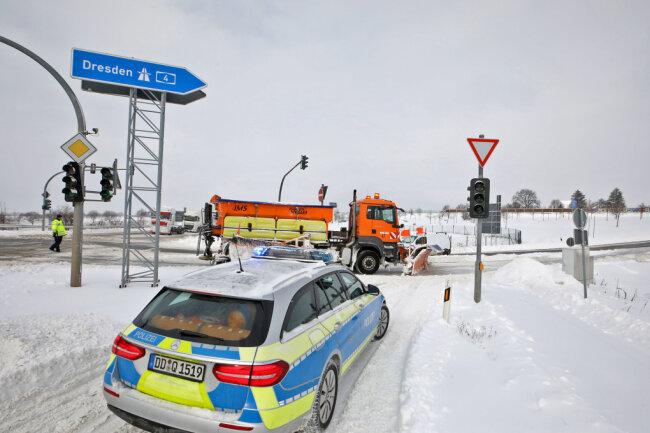 Die Polizei geregelte  den Verkehr.