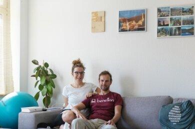Robert und Karola Köpferl haben sich für ein Kunstwerk aus Holz entschieden (ganz links).