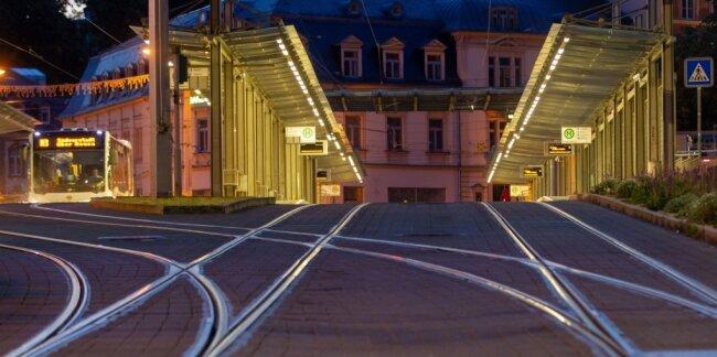 Acht Millionen Fahrgäste befördert die Plauener Straßenbahn pro Jahr. Wohin es angesichts der finanziellen Engpässe geht, ist ungewiss.