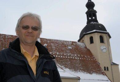 """<p class=""""artikelinhalt"""">Auch er freut sich schon aufs neue Geläut: Peter-Paul-Pfarrer Andreas Alders. </p>"""