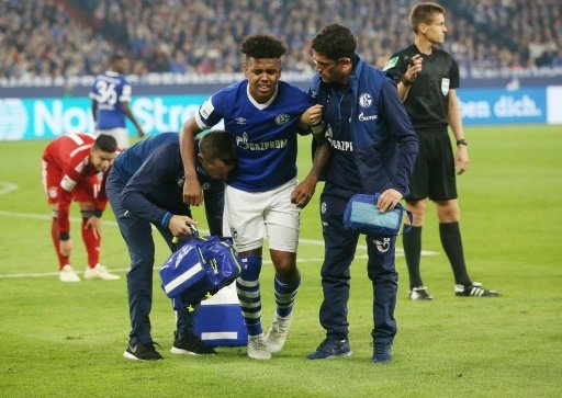 Weston McKennie nach dem Foul von Bayerns James