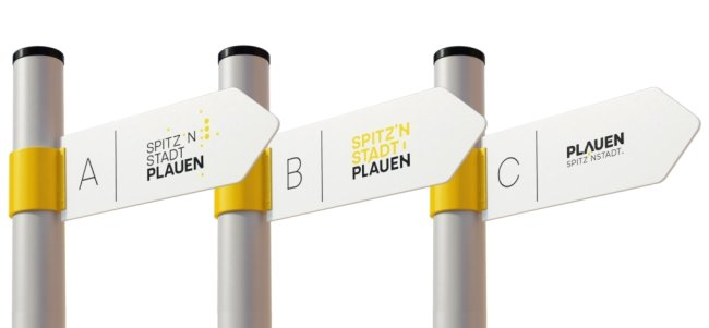 So könnte das neue Logo aussehen -mit stilisierter Lochkarte (Variante A), mit einer Schriftart, die typische Bauten von Plauen symbolisieren soll (Variante B) sowie einem auf dem Kopf stehenden Buchstaben V, der die Verbindung zum Vogtland zeigen soll (Variante C).