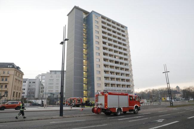 Silvesterbilanz Feuerwehr Rückt Zu Bränden Aus Toter In