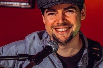 """Gerard Donnelly eröffnet die """"Bergstadtkultur"""" mit Irish Folk."""