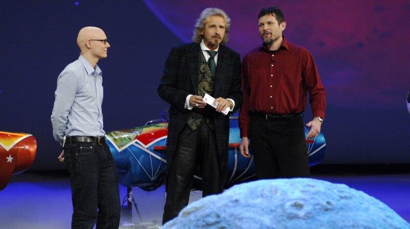 """<p class=""""artikelinhalt"""">Wette gewonnen: Steffen Schlüter (links) und sein Kollege Ulrich Weller bestanden mit ihrem """"Ohrakel"""" vor den Augen des Publikums. Thomas Gottschalk gratulierte den Männern in seiner Show. </p>"""