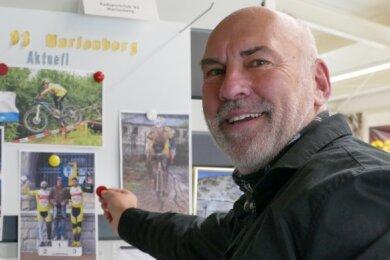 In seinem Laden pflegt Stefan Weinhold noch immer eine Pinnwand, an der er über das Geschehen beim RSC 93 Marienberg informiert. Die letzten Wettkampfberichte sind allerdings schon drei Jahre alt.