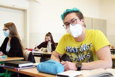 Artur Milke bereitet sich mit anderen Schülern des Freiberg-Kolleg auf die Abiturprüfungen vor.