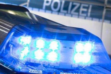 Oelsnitz/V.: Zwei Laster im Wert von 210.000 Euro gestohlen