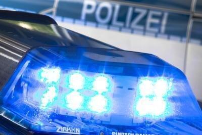 Mann wehrt sich bei Verkehrskontrolle - drei Polizisten verletzt
