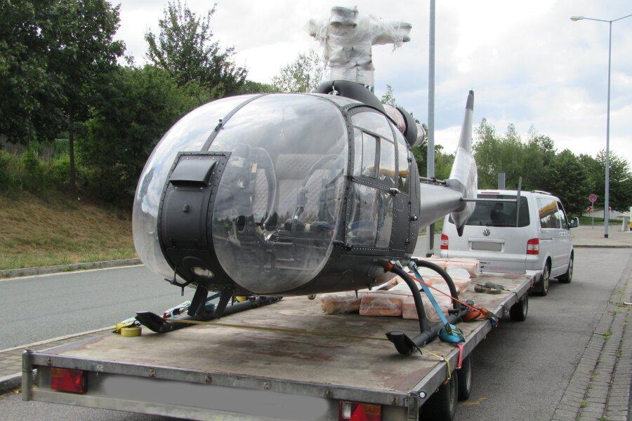 Polizei zieht Hubschrauber-Transport auf A4 aus dem Verkehr