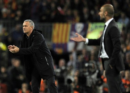 Buhlen um Alexis Sanchez: Mourinho (l.) und Guardiola
