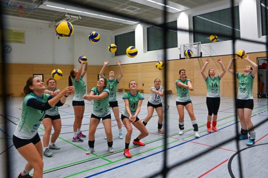 Die Volleyballerinnen des CVV (im Bild beim Training) erwarten am Samstag ab 19.30 Uhr die L.E. Volleys aus Leipzig in der Sporthalle am Terra-Nova-Campus.