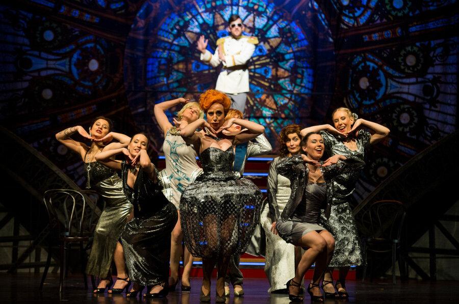 Am Freitag, den 23. August öffnet sich um 19.30 Uhr der Vorhang für die spritzig-frivole Operette »Pariser Leben« von Jacques Offenbach im König Albert Theater Bad Elster.