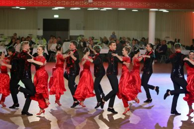 2019 wurde in der Stadthalle in Limbach-Oberfrohna noch getanzt. Im vergangenen Jahr war der Tanzball der Tanzschule Köhler-Schimmel die erste Veranstaltung, die wegen der Coronapandemie abgesagt werden musste.