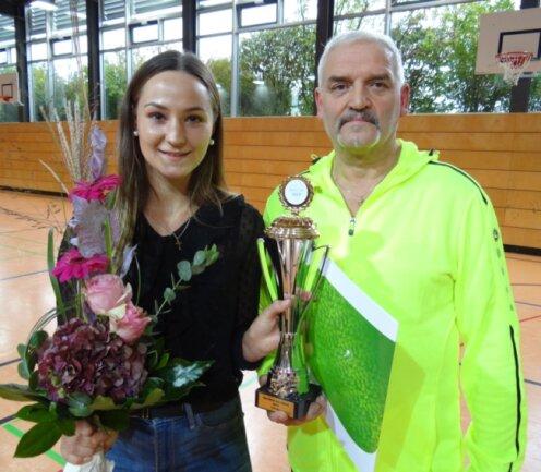 Boxerin Gina Spranger und Heimtrainer Frank Süß bilden seit fünf Jahren ein erfolgreiches Gespann.