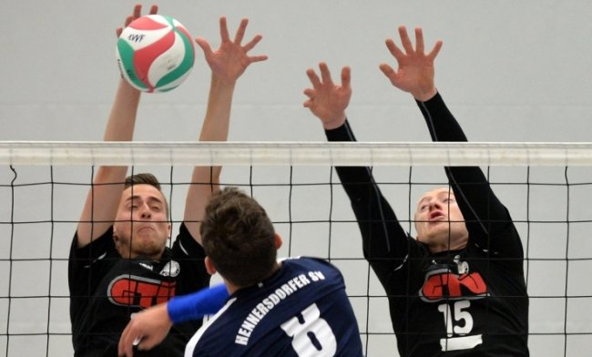 Der VVF II trifft als Auswärtsteam in der Heubnerhalle auf die Si-Volleys. Der Hennersdorfer SV schlägt in Augustusburg auf.