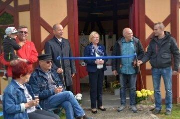 Der Wunderlich-Pavillon im Meeraner Skulpturenpark ist eingeweiht worden.