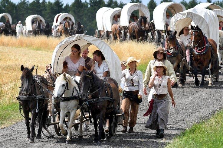 Den Historischen Besiedlungszug sucht man in diesem Jahr vergebens. Im nächsten Jahr soll die ausgefallene Tour nachgeholt werden. Etappenorte und Strecke sollen beibehalten werden.