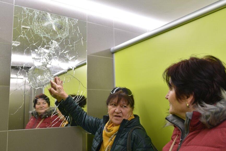 Vandalismus in Toiletten: Bad Elster prüft Videoüberwachung