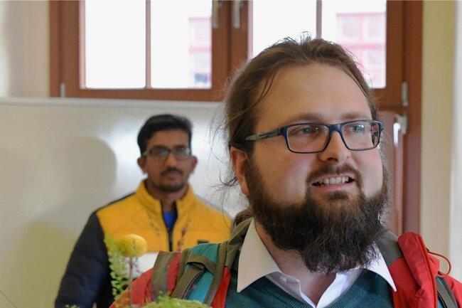 """Gewinner des Freiberger Gründerpreises in diesem Jahr: Noah Knittel und sein Konzept """"HUBert und Coworking Space""""."""