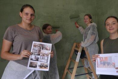 Collien, Janine, Eva und Josephine (v.l.) von der Oberschule Am Steegenwald beteiligen sich am Schülerprojekt zur Concordiasiedlung.