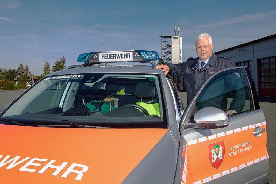 Jörg Pöcker ist seit zwei Jahrzehnten Leiter der Berufsfeuerwehr Plauen. Sein Nachfolger wird gesucht, doch das ist nicht so einfach.