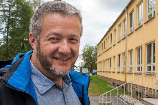 Michael Escher fungiert als Vorsitzender des neu gegründeten Evangelischen Schulvereins Pockau-Lengefeld. Der Pfarrer und seine Mitstreiter planen, in Lippersdorf eine Freie Grundschule zu gründen.