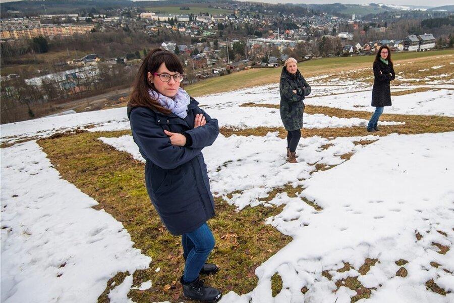 Sie hatten die Idee: Susann Brauer, Christin Georgi, Katrin Radoi und Sandra Röderer (von links) kritisieren den Umgang mit der Pandemie, der Kindern seit Monaten den Zugang zu Kitas und Schulen verwehrt.