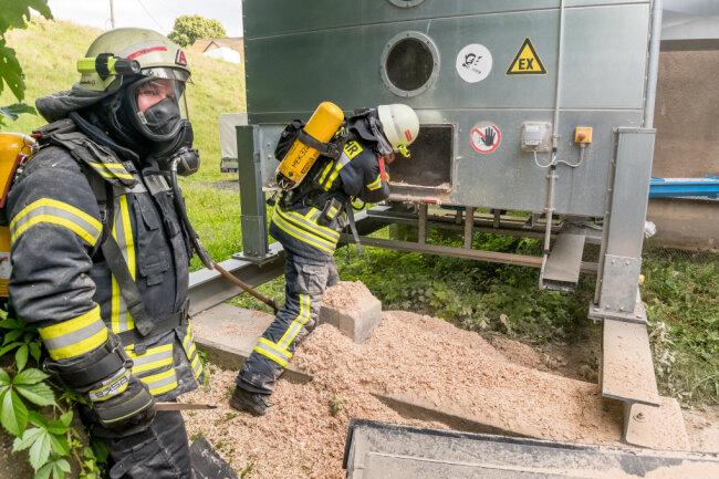 Die Feuerwehr ist zu einem Silobrand in Olbernhau ausgerückt.