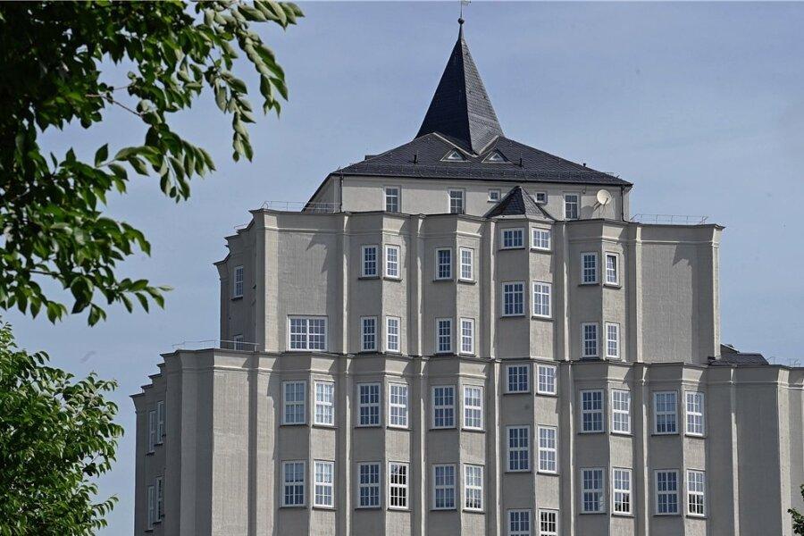 Das Cammann-Haus in Furth war das erste Hochhaus der Stadt. Der vertikale Rillenputz erinnert daran, was hier einst produziert wurde.