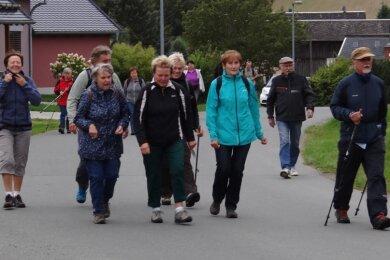 Kühler Wind und ein gehöriger Temperatursturz hielt gestern die Teilnehmer der 24. Vogtländischen Seniorenwanderung nicht davon ab, Triebel und sein Umland zu erkunden.