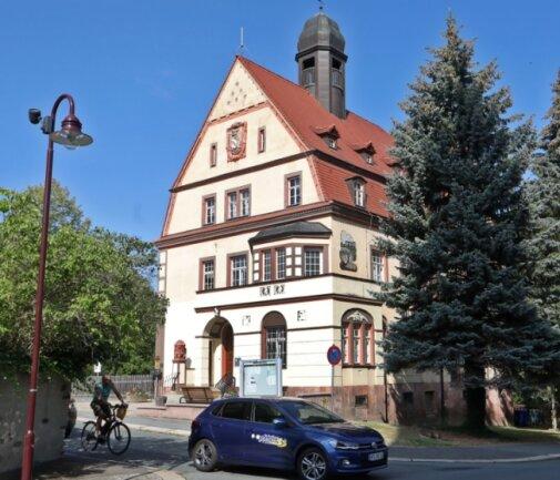 Im alten Rathaus wurde eine Schlüsselszene gedreht: Die Vertragsunterzeichnung zur Vereinigung der beiden Städte.